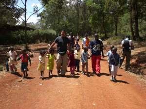 nature-walk-with-kids1